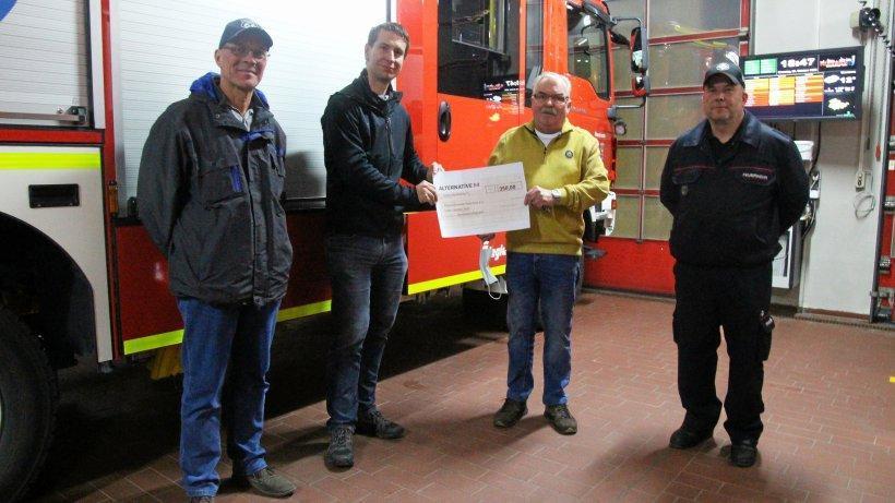 Spende an Feuerwehr Eisenenberg