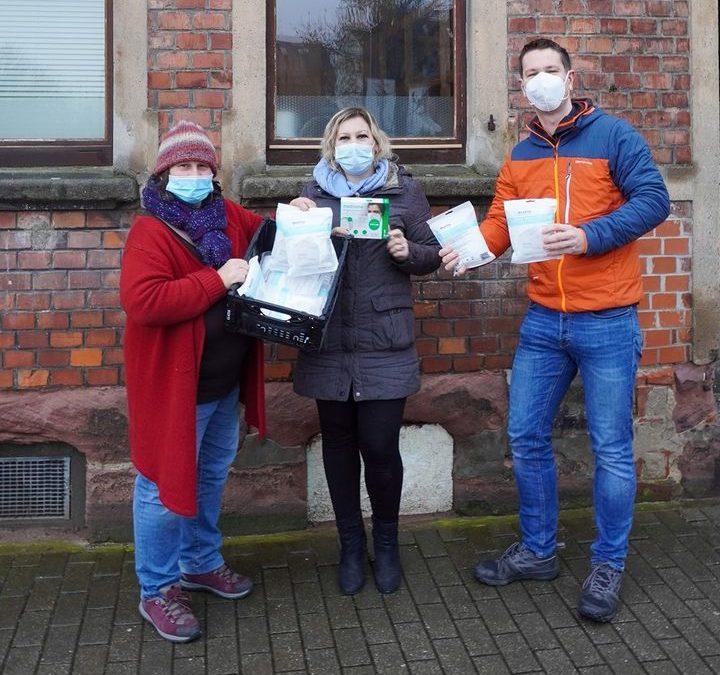 FFP2-Masken an Tafeln im Landkreis gespendet.