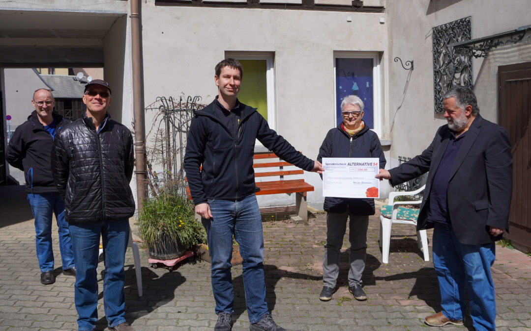 Eisenberg: Spende für Notfalldosen übergeben